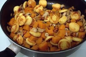 cuisiner quenelles poêlée quenelles chignons et butternut vite fait bien cuisiné