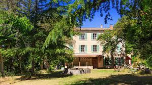 salle mariage var château du rouët vins de provence maisons d hôtes et salle de