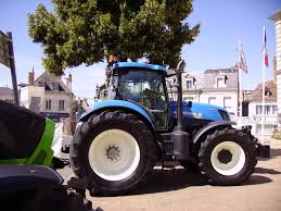 file new holland t7 250 tractor jpg wikimedia commons
