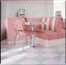 Diner Style Kitchen Table by Best 25 Vintage Diner Ideas On Pinterest 1950s Diner Retro