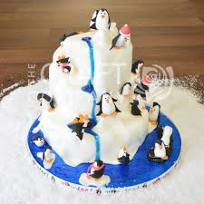 themed cake decorations 52 best penguin cake ideas images on christmas cakes