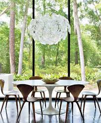 Saarinen Arm Chair Design Ideas In This Breakfast Area Iconic Pieces Of 20th Century Design U2014a