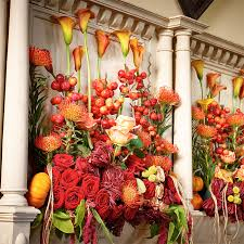 wedding flowers autumn autumn wedding flower trends interflora