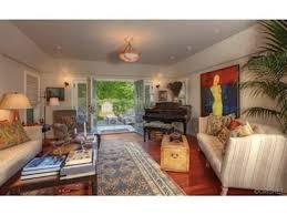 Kourtney Kardashian New Home Decor by Report A New California Crib For Kourtney Kardashian And Scott