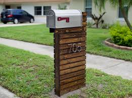 they reved their boring mailbox into a traffic stopping