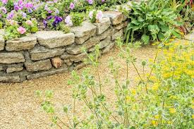basic tips and steps for building your own retaining wall