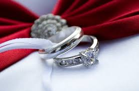 how much should a spend on an engagement ring links we how much should you spend on an engagement ring