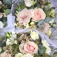 wedding flowers in september cripps barn wedding flowers tessa and alastair the shed