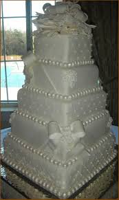 beautiful wedding cakes i decorated this while working for a local bakey copied from a