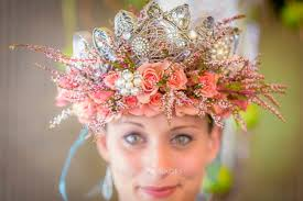 wedding flowers in hair wedding hair flowers crowns and beyond