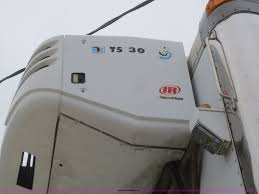 2004 freightliner fl70 refrigerated box truck item d2157