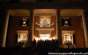 Christmas Decorations For Your Window by Christmas Decorating Ideas For Porches Doors And Windows
