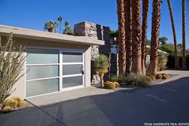 Garage Homes by Architectural Features Of Mid Century Modern Homes Palm Springs