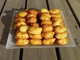morue cuisine apéritif plat beignets de morue portugais bolos ou pasteis