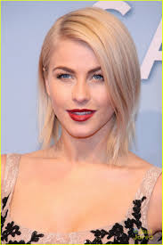 julianne hough hairstyle in safe haven julianne hough safe haven in berlin photo 540602 photo