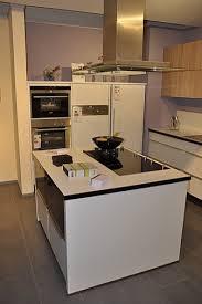 kleine küche mit kochinsel 111 ideen für design küche mit kochinsel funktionale eleganz