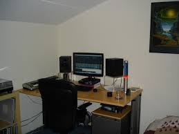 Best Home Studio Desk by Bedroom Studio Desk And Small Recording Gallery With Images In