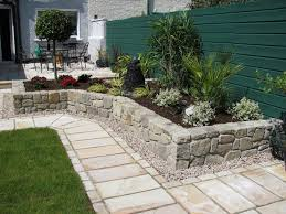 Simple Patio Ideas For Small Backyards by Landscaping Design Ideas Pictures And Decor Inspiration Page 15