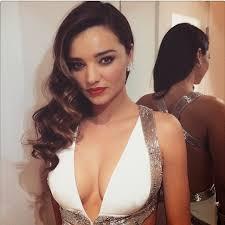 Vanity Row Clothing Miranda Kerr Wows At Vanity Fair Oscar Party 2015 The Front Row View