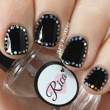 plump and polished new year u0027s nails glitter frames