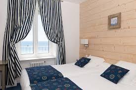 chambre des m騁iers ile de chambre categorie ile de sein vue mer et plages picture of