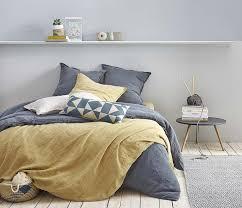 chambre gris et jaune chambre jaune moutarde les coloris à associer clemaroundthecorner