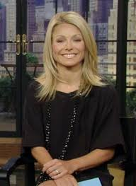 how to get kelly ripa wavy hair love kelly ripa s hair i will also make it my personal goal to be