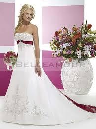 robe de mari e bicolore de mariée blanche bicolore bustier broderies ruban perles a