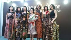 desain baju batik untuk acara resmi inspirasi busana batik untuk acara kasual hingga formal okezone