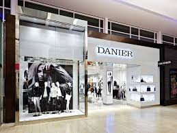 danier leather outlet yorkdale store danier leather office photo glassdoor