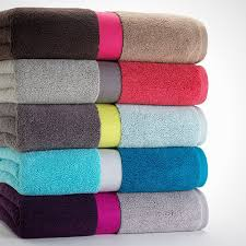 Modern Bathroom Towels My Oh Mod 30 Ways To Color Block Your Home Via Brit Co