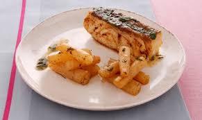 cuisiner dos de cabillaud poele dos de cabillaud meunière salsifis rôtis au thym de chef cuisinez