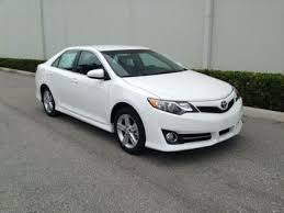 used 2013 toyota camry se export used 2013 toyota camry se white on black