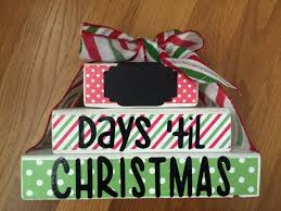 countdown to christmas with these cute wooden stacked blocks how
