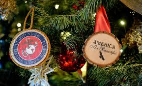 obama showcases the 2014 white house decorations