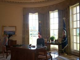 Oval Office Desk Oval Office Replica You Can Sit At The Desk Picture Of The