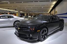 chevy camaro black on black help which look is considered more badass camaro5 chevy