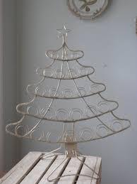 metal christmas tree card holder 16 00 via etsy nadal