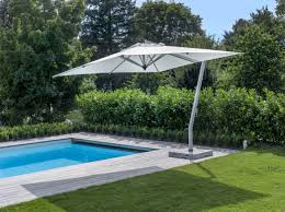 Grass Patio Umbrellas Awesome Offset Patio Umbrella With Green Grass And Swimming Pool