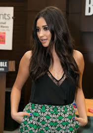Barnes Los Angeles Shay Mitchell At Bliss Booksigning At Barnes U0026 Noble In Los