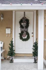 domestic fashionista our christmas decorated front porch