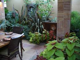 simple ways decorate a patio