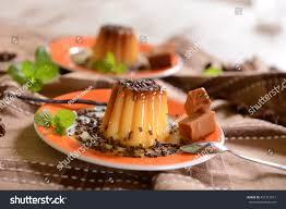 suce dans la cuisine panna cotta caramel suce chocolate flakes stock photo royalty free