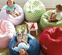 sitzsack für kinderzimmer der sitzsack im kinderzimmer 33 coole einrichtung ideen