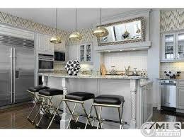 Kourtney Kardashian House Interior Design by Kourtney Kardashian U0027s Bold Decor Attracts Buyer