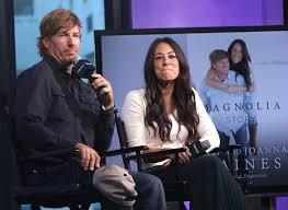 chip and joanna gaines facebook chip gaines responds to joanna breakup rumors on twitter
