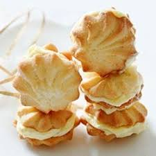 seashell shaped cookies 595 best cookies images on decorated cookies iced