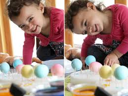 Decorating Easter Eggs Toddlers by Time For Easter Eggs Five Gold Ideas Pepper Design Blog