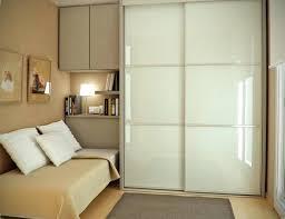 placard moderne chambre placard moderne chambre les portes de placard on vous donne 45