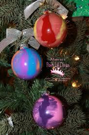 mom to 2 posh lil divas kid made swirl paint christmas ornaments